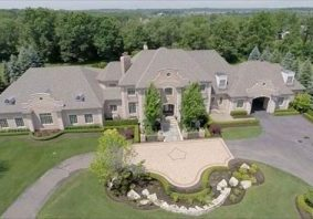 Luxurious house in Oakland Township MI